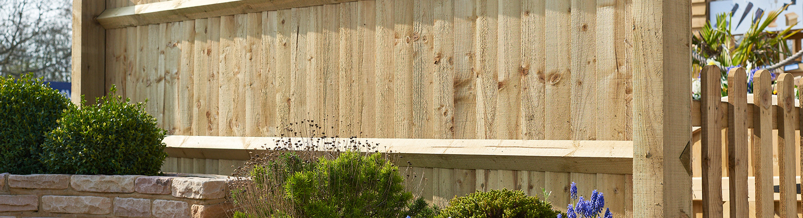 Closeboard Fence with Arris Rail