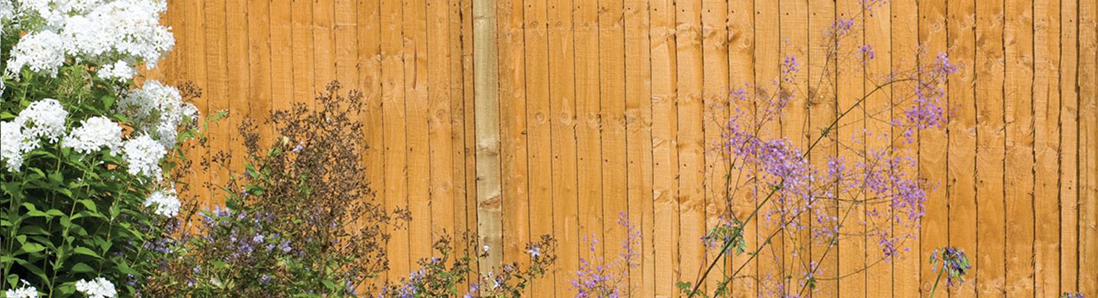 A Guide to Closeboard Fencing - AVS Fencing Supplies