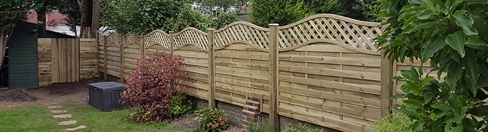 How to Erect Garden Fence Panels - AVS Fencing Supplies